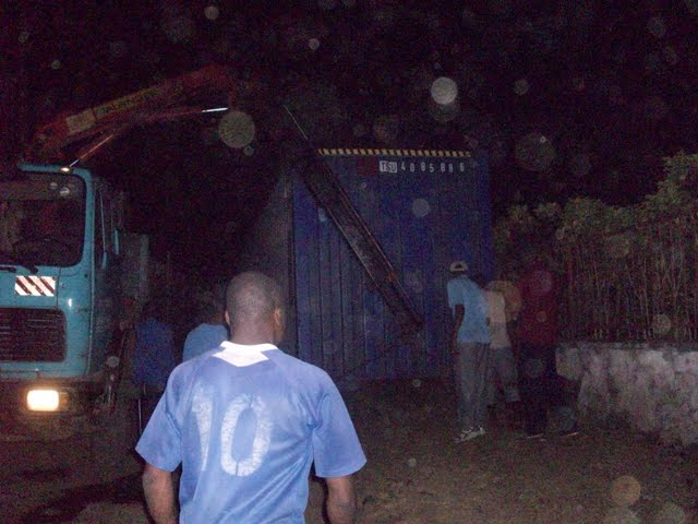 Container Arrival & Offloading in Buea - 100_9150.JPG