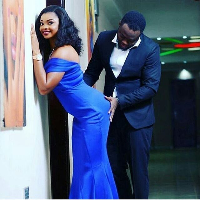 Top 7 BAD Prewedding Photos,pre wedding photos in nigeria husband touching wife butt