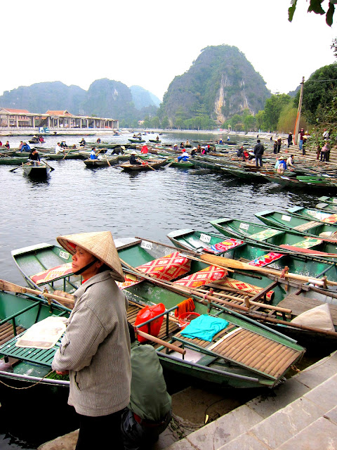 Boats to go to Tam Coc