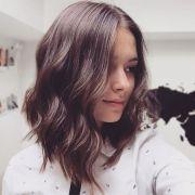 medium style haircuts women's
