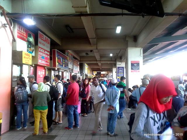 Naik bus dari Larkin ke Melaka Sentral