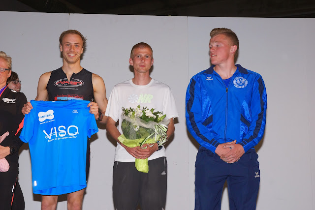 Alexander Eggerick wint de 10 km bij de heren, Dwars over de Mandel