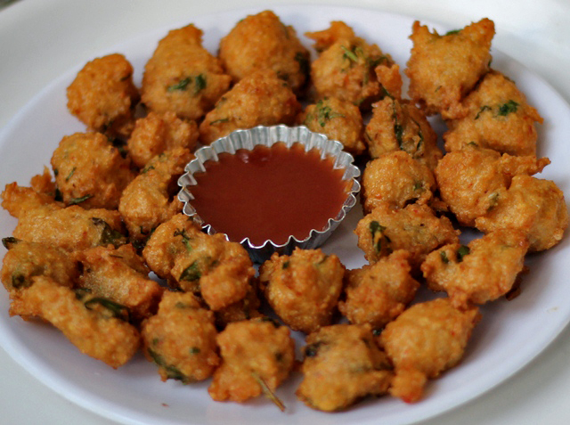 Adai Maavu Kunukku (Kunuku) Recipe | Indian Lentil Fritters Recipe | step by step pictures |Written by Kavitha Ramaswamy of Foodomania.com