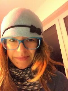Bettie mit Hut