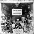 Ranstädter Steinweg Nr. 18; Auslage der Fleischerei Rothe; nach 1931, Fotograf: Hermann Walter (Atelier)
