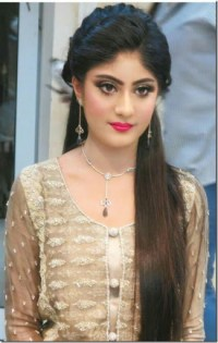 Simple Hairstyle For Indian Wedding Reception - HairStyles