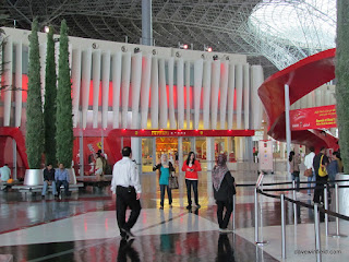 0100Ferrari World