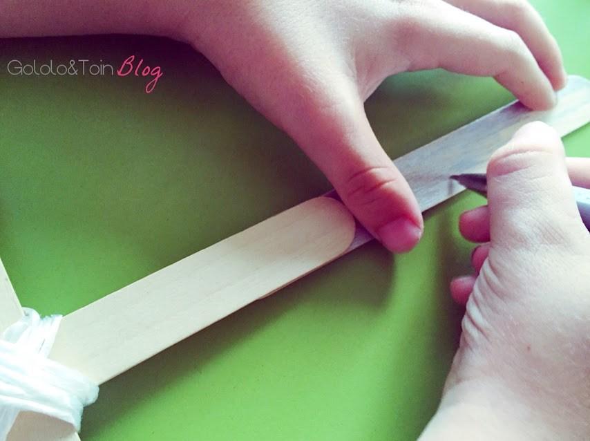 manualidades-niños-faciles-verano-diy-espada-palos-helado
