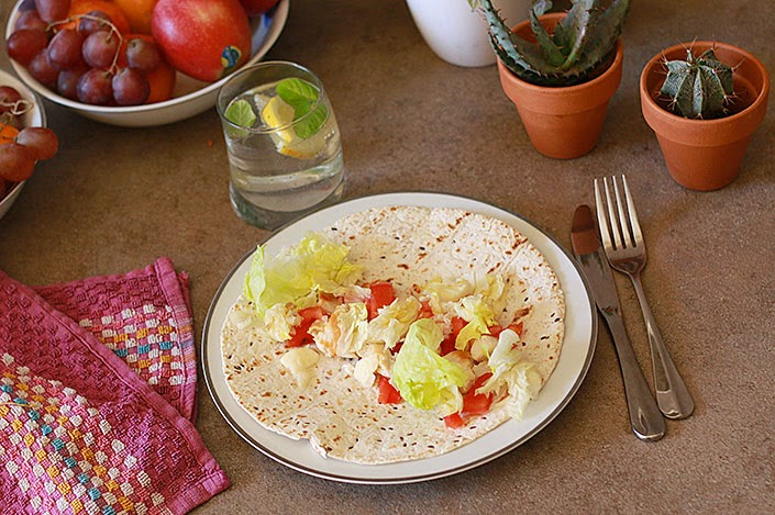 chicken and mozarella wrap, fresh dish for spring, healthy and easy recipe, recipe mexican fajitas, quick recipe for lunch
