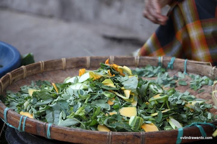 Bahan Uta Mbeca Ro'o Parong - Racikan sayur daun kelor