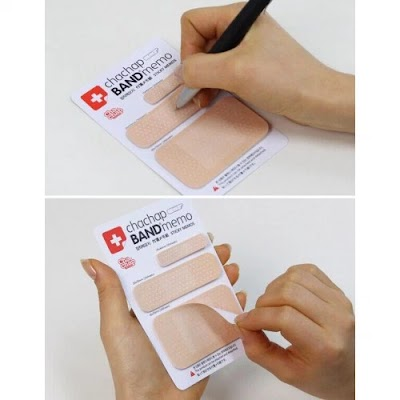 海外デザイナーのBand Aid Sticky Notes