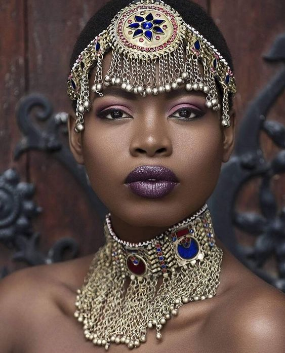 BEAUTIFUL HAIR ACCESSORIES LOOK FOR SOUTH AFRICAN WOMEN 4