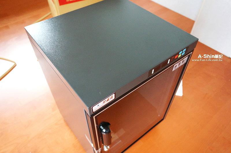 珍藏箱微電腦數位防潮箱5