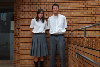 京都府立鳥羽高等学校の女子の制服2