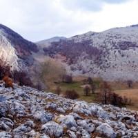 Vârfuri, crovuri şi cătune pe Valea Cernei