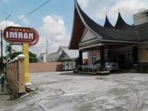 Imran Hotel Bukittinggi Travel Pekanbaru