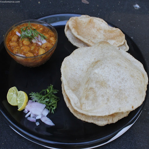 Chole Bhature Recipe | punjabi chole bhatura - step by step pictures | Written by Kavitha Ramaswamy of Foodomania.com