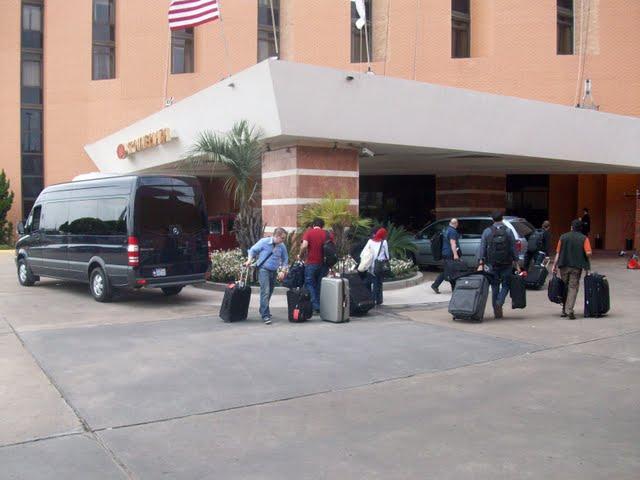 IVLP 2010 - Flight to Houston, Visit To Lakewood - 100_0611.JPG