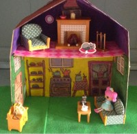 Dolls and Decor by Revu..............: Portable cardboard ...