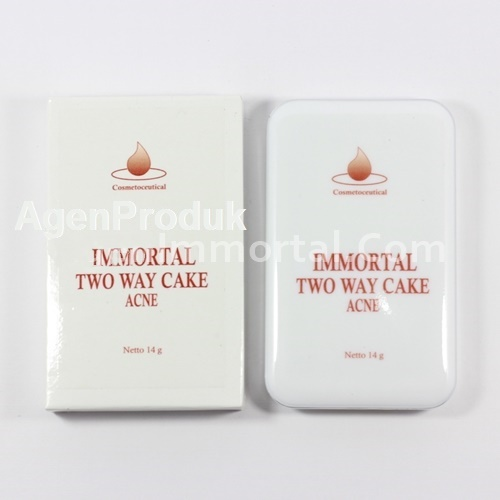IMMORTAL TWO WAY CAKE ACNE