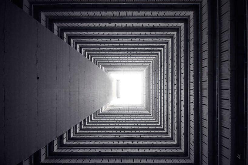 *垂直地平線:藝術家 Romain Jacquet-Lagreze 90度香港仰空攝影作品! 5