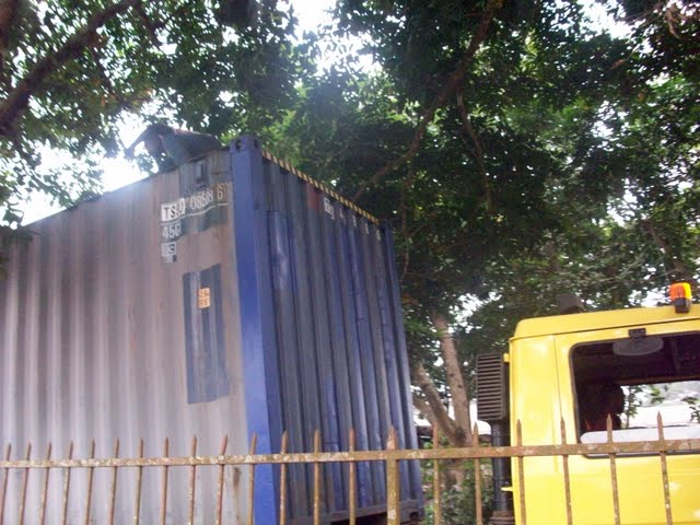 Container Arrival & Offloading in Buea - 100_9056.JPG