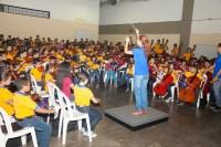 Horas más tarde, luego de la visita a Ciudad Bolívar, los niños de la Infantil de Puerto Ordaz recibieron al maestro José Antonio Abreu