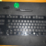 Hackeyboard placing switches 4.JPG
