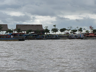 0010Tonle_Sap_Lake_Floating_Village