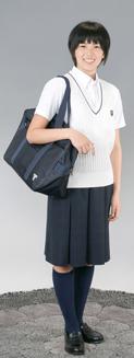 東海大学付属相模高等学校の女子の制服2