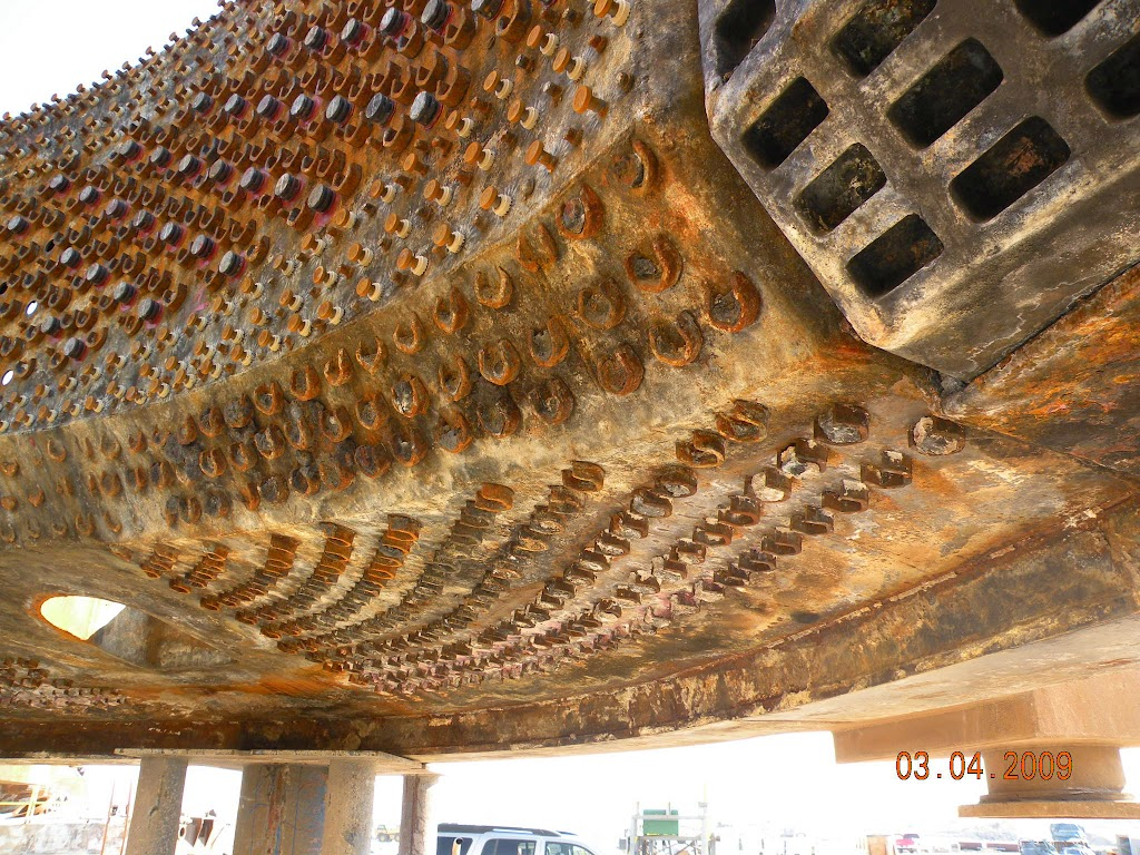 During periodic maintenance, inspections can be made of slag retainers and those showing sufficient wear can be replaced.