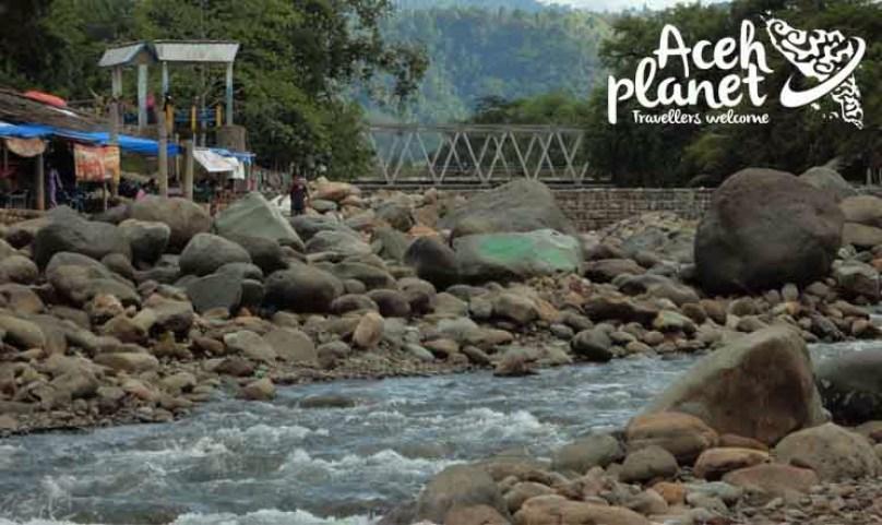 Batee Iliek Wisata Populer di Timur