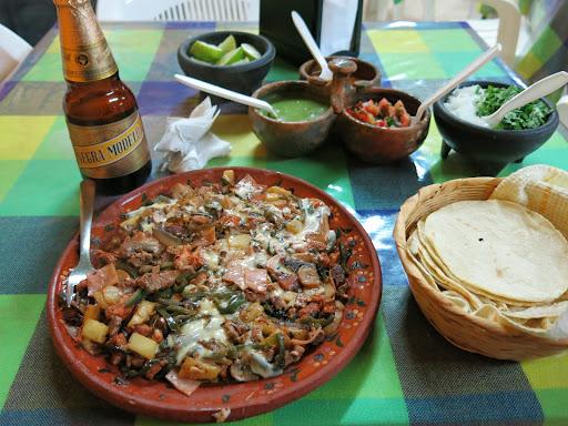 More delicious food at El Méson del Tacos