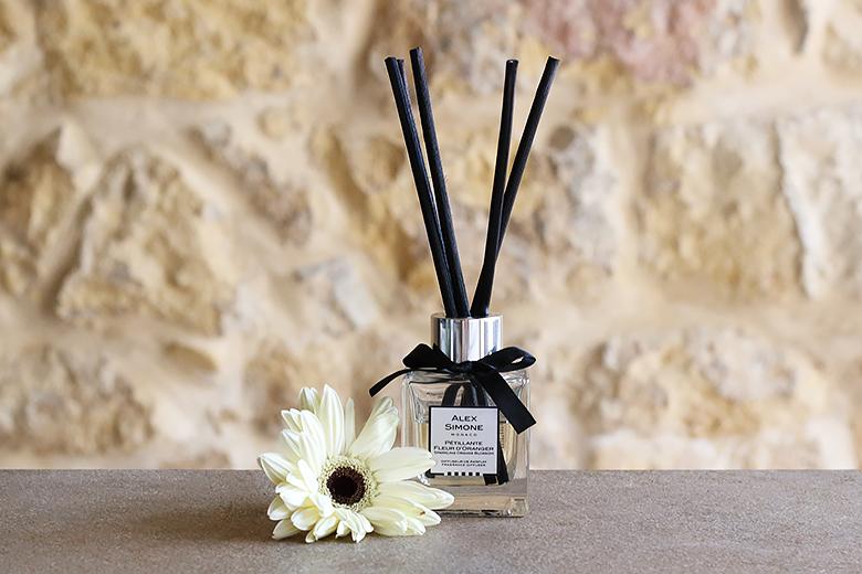 Diffuseur de parfum d'intérieur à la fleur d'oranger Alex Simone.