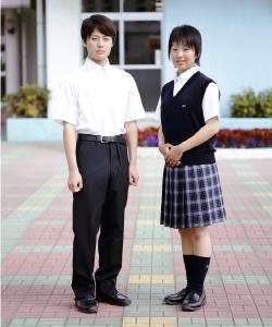 花咲徳栄高等学校の女子の制服1