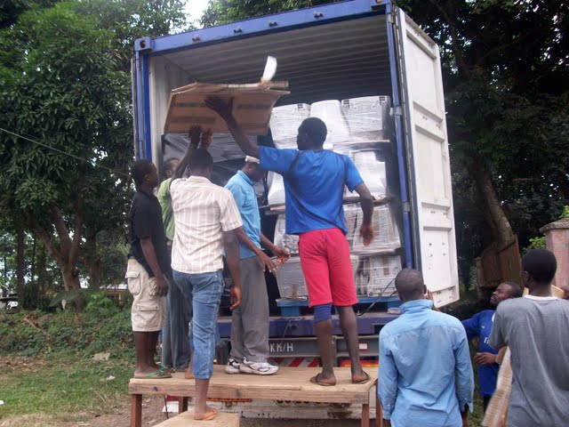 Container Arrival & Offloading in Buea - 100_9067.JPG
