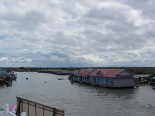 0047Tonle_Sap_Lake_Floating_Village
