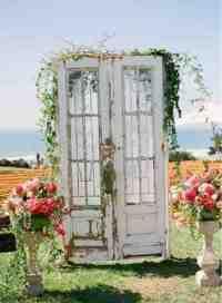 Ruby Rain Wedding Decor & Flowers Blog: Vintage wedding ...