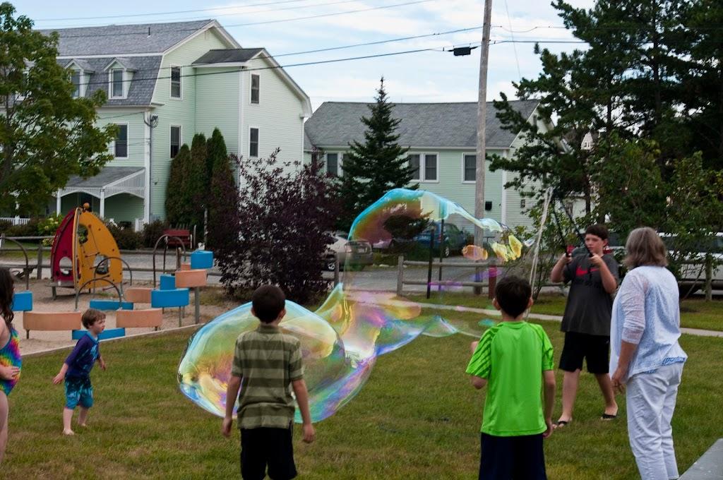 Ferry Beach-Bubbles-43