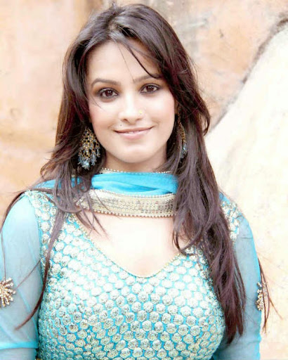 Anita Hassanandani Photos