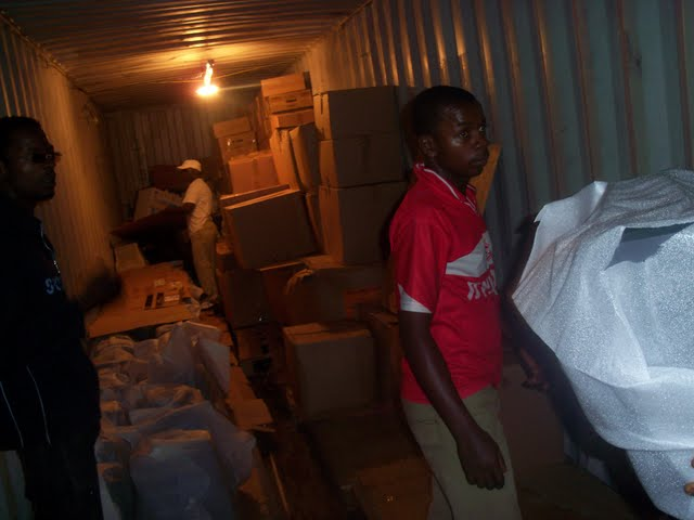 2nd Container Offloading - jan9%2B147.JPG
