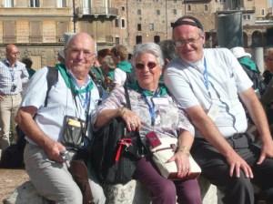 3 pèlerins heureux