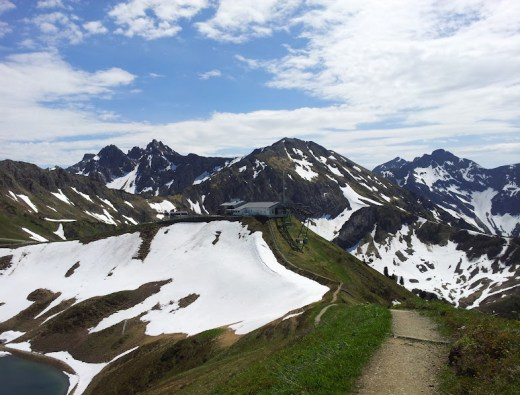 Blick von der Roten Wand zur Bergstation