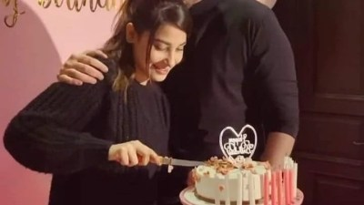 Aagha Ali throws surprise birthday party for Hina Altaf