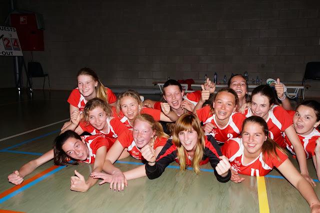 Stephanie Lauwaerts en haar U15 ploeg spelen kampioen op het veld van Gits