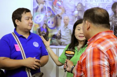 MCCID's Ervin Reyes was being interviewed by TV News Net 25 together with NCDA's Nelia De Jesus.