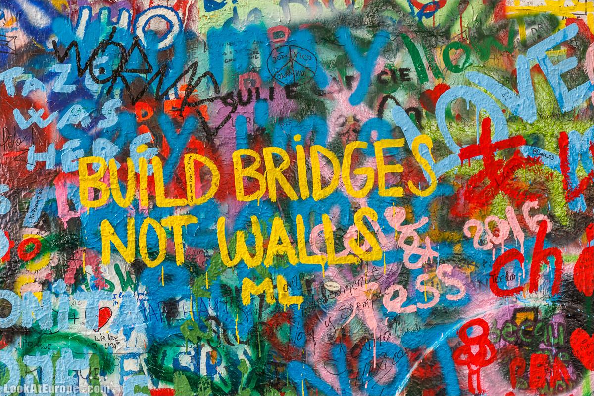 Стена Джона Леннона в Праге | LookAtIsrael.com - Фото путешествия по Израилю