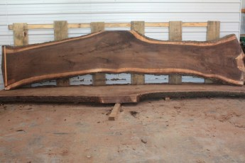 Walnut 219-5  Length 17' Max Width (inches) 44 Min Width (inches) 26 Notes 12/4 Kiln Dried