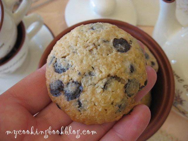Страхотни кокосови бисквити с шоколадов чипс