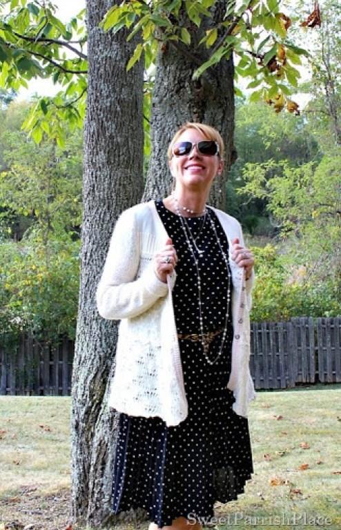 vintage-polka-dot-dress-leopard-belt-black-sandals4